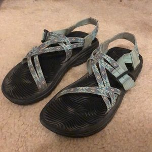 Size 8 women's chaco z-sandals